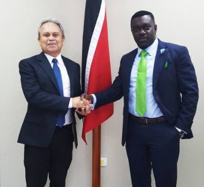 CORDIAL: Finance Minister Colm Imbert, left, shakes hands with PSA president Watson Duke in this photo posted on the Finance Ministry's Twitter account yesterday, following a meeting on the TT Revenue Authority and other matters.