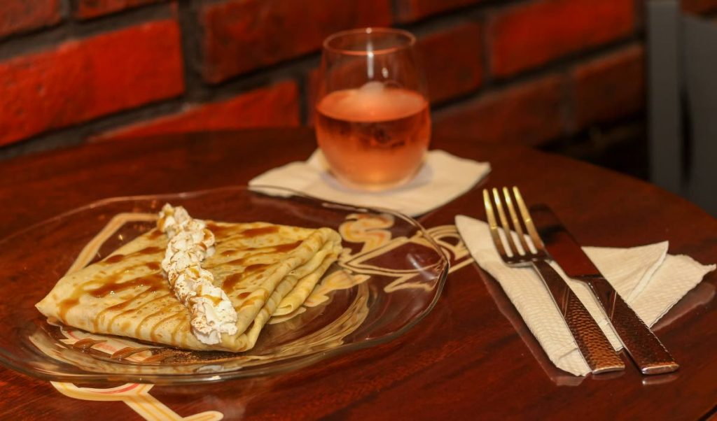 Spiked Cafe's Cinnamon Spiked Crepe paired with Pink Moscato.