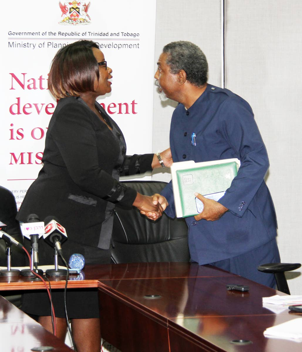 Welcome back: National Tripartite Advisory Council chairman Camille Robinson-Regis greets Vincent Cabrera, president of the Banking, Insurance and General Workers Union (BIGWU), as members of the labour movement return to the council at Eric Williams Financial Complex, Port of Spain on September 20, 2017. PHOTO BY SUREASH CHOLAI.