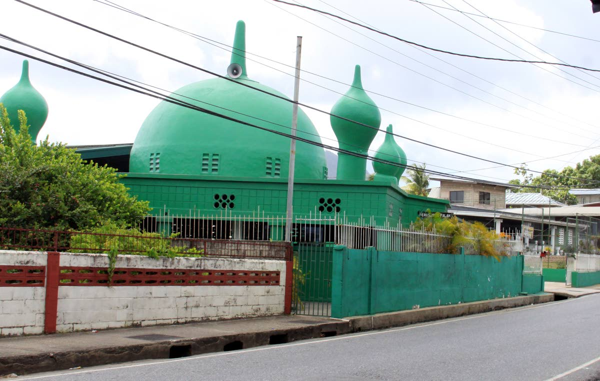 "The Masjid Al Falah in Arima, where a member Quincy ""Tractor"" Peters was shot dead in his car in the mosque's car park on Saturday night. PHOTO BY  ANGELO MARCELLE"