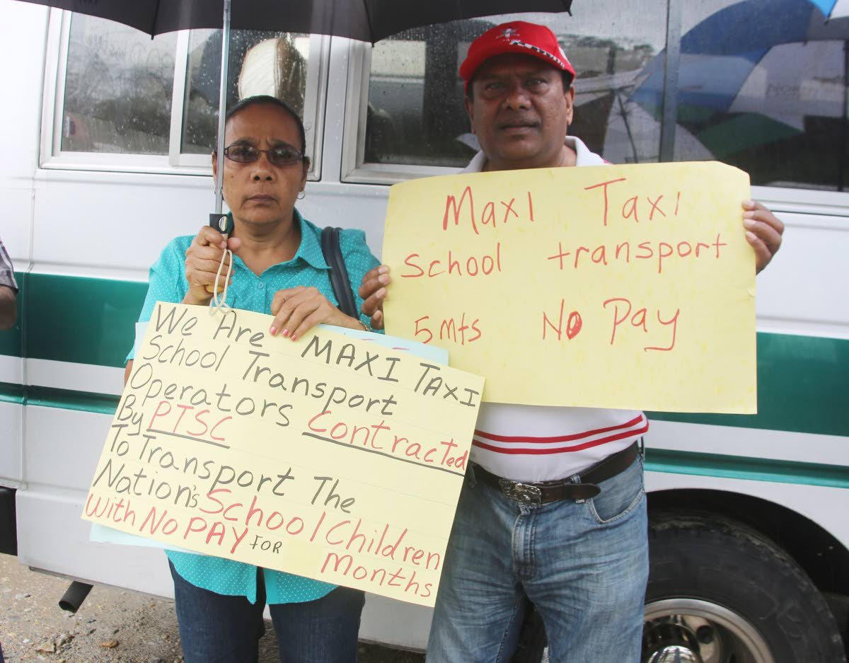 Maxi Taxi  Concessionaries Association protested this morning oposite PTSC on Lady Hailes Avenue, San Fernando. Photo by Vashti Singh