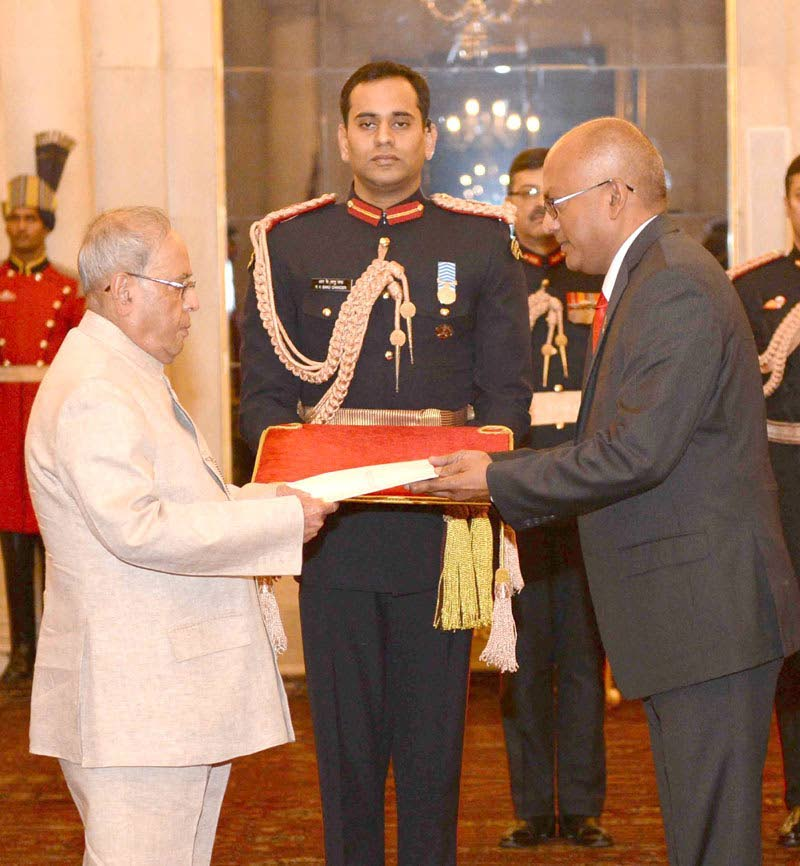 FLASHBACK: In this November 30, 2016 photo, TT's High Commissioner to India, Dave Persad (Right), presents his credentials to India's President, Shri Pranab Mukherjee, in New Delhi.
