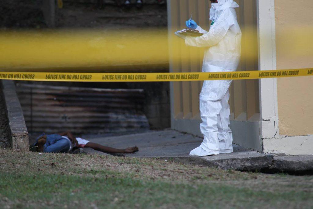 CRIME SCENE INVESTIGATORS AT THE SCENE OF THE MURDER OF 18 YEAR OLD EMBACCADERE SAN FERNANDO RESIDENT, KEJAH FYFIELD