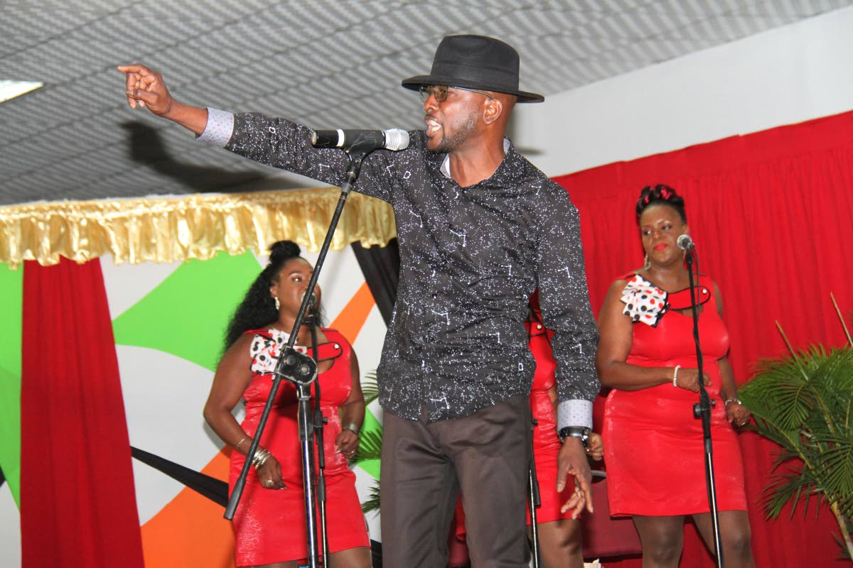 At the Kaiso Showcase 2019, Darwern Greenidge also known as Pharoah, gives the crowd a taste of his musical style Formula.