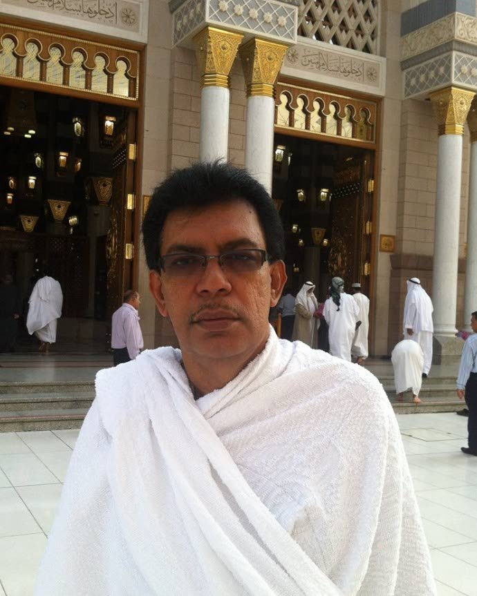 I WEPT: Local Govt Minister Kazim Hosein, seen in this photo posted on his Facebook page, during his Hajj pilgrimmage to Mecca in 2014, said he wept yesterday during Juma (Friday prayers) as he and others prayed for those killed in the Christchurch, New Zealand terror attacks.