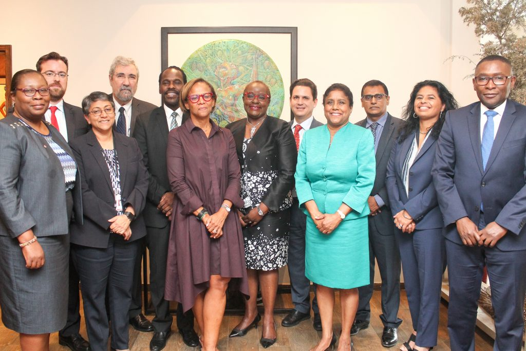 Team members from the IDB's Executive Directors' Visit with Ministers Camille Robinson-Regis, Paula Gopee-Scoon, Rohan Sinanan and Fitzgerald Hinds.  Photo courtesy IDB.