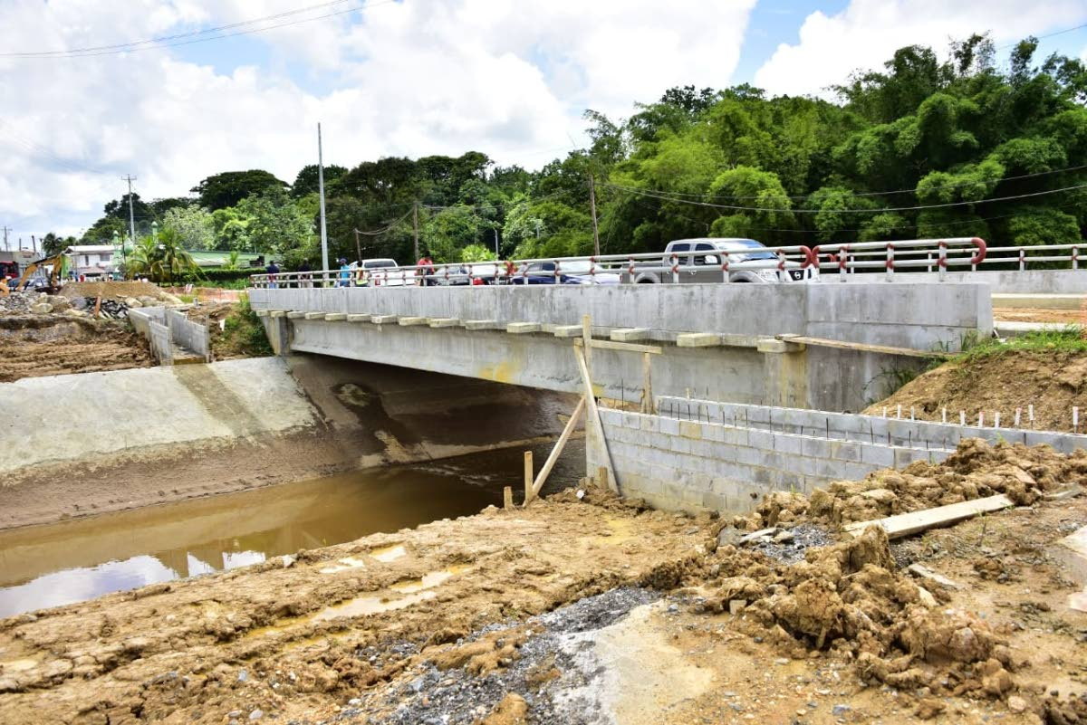The construction of the new, wider Cunapo Bridge should be completed by the end of August. PHOTO COURTESY THE MINISTRY OF WORKS AND TRANSPORT