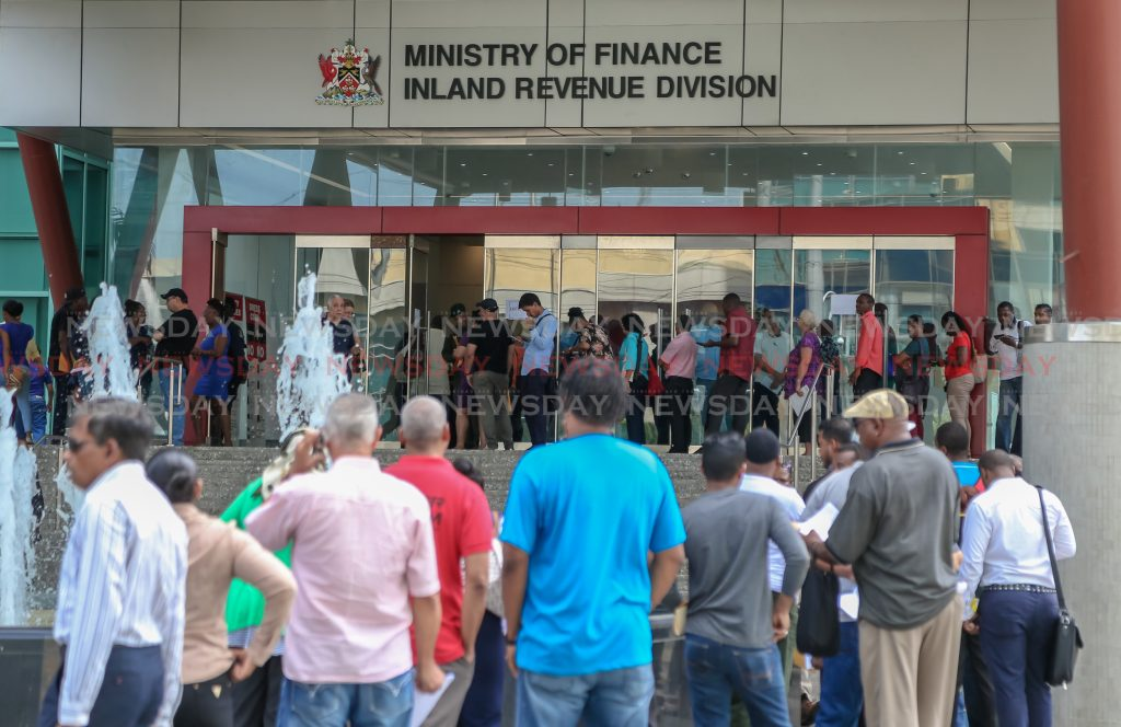 Last minute Trinis flood the BIR building trying to make the last day of the tax amnesty at the Government campus, Port of Spain. dd:2019.09.13 Jeff K Mayers