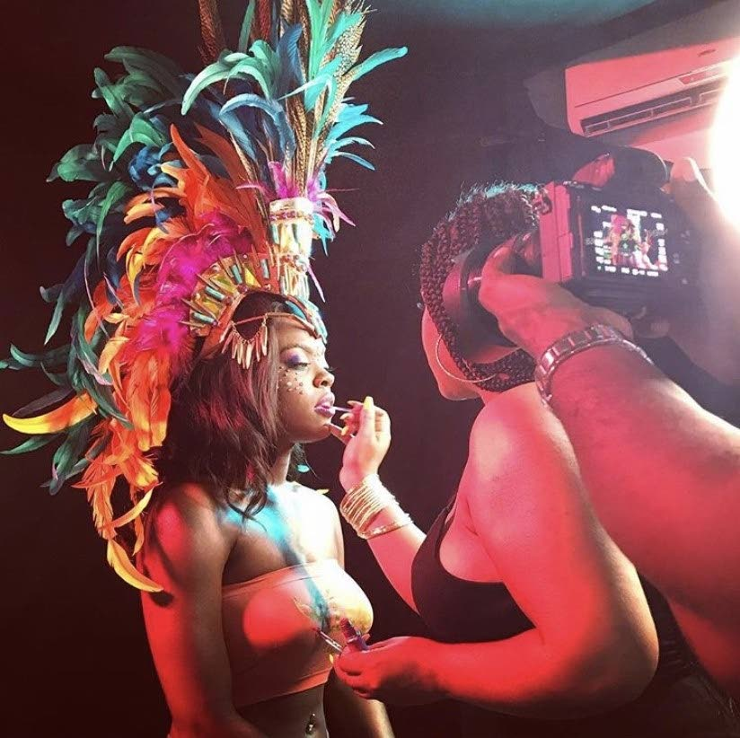 Entrepreneur Natalia Forte puts make up on a model during a photoshoot. Makeup artists, designers, hairdressers know that beauty and Carnival is linked. -