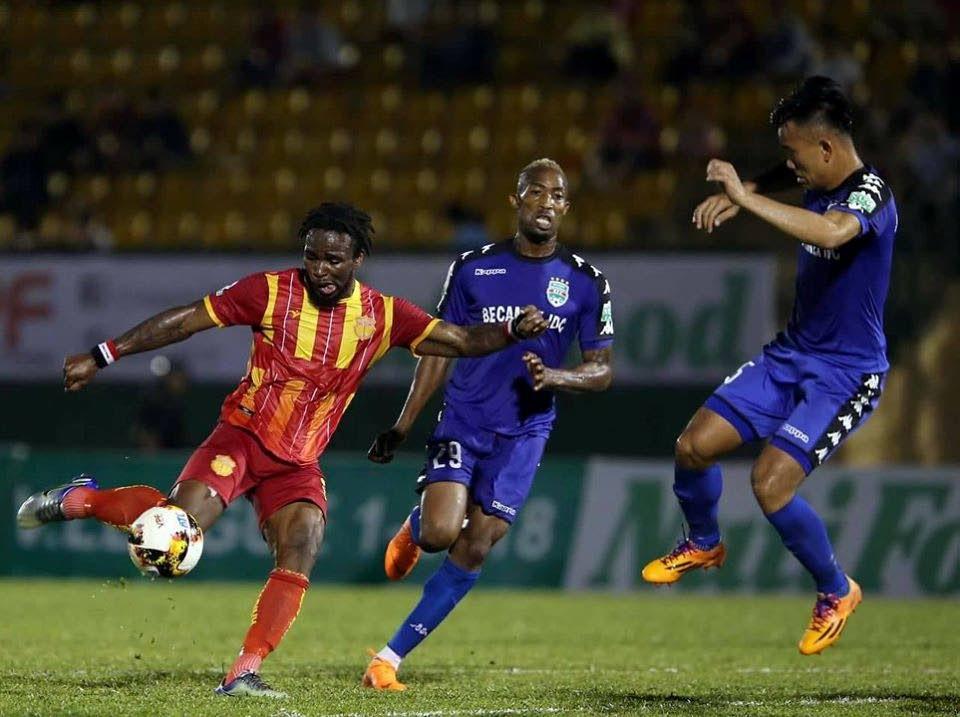 In this file photo, Shackiel Henry shoots at goal during a V.League I match between Bình Dương and Nam Định FC at Gò Đậu Stadium, Thủ Dầu Một, Vietnam on March 16, 2018. -