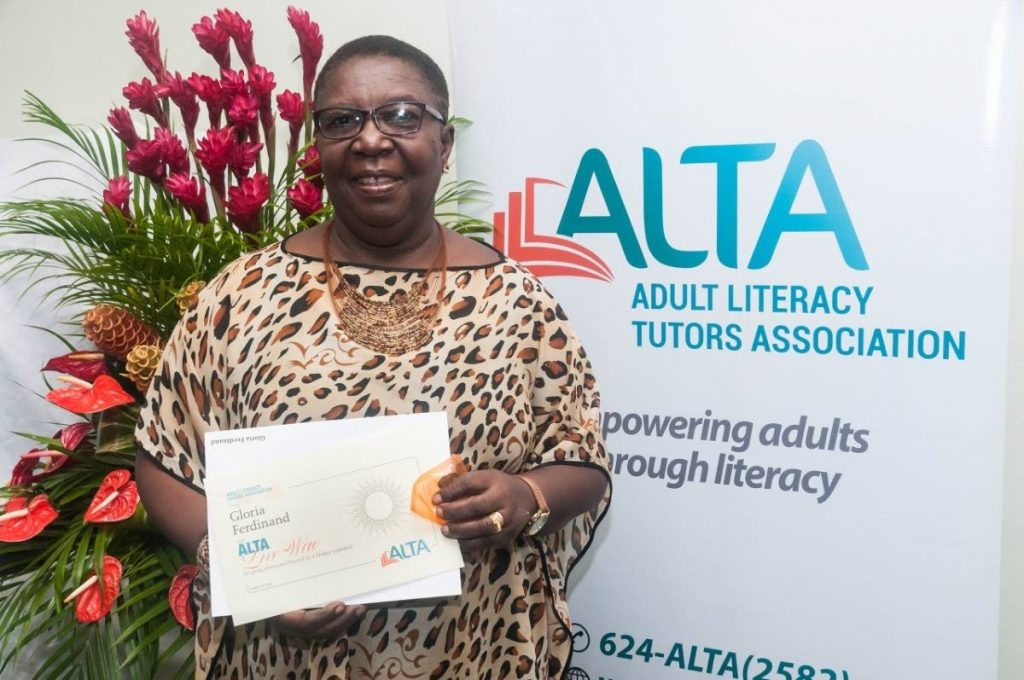 ALTA Live Wire Awardee Gloria Ferdinand with her certificate for going above and beyond the role of a classroom tutor. -