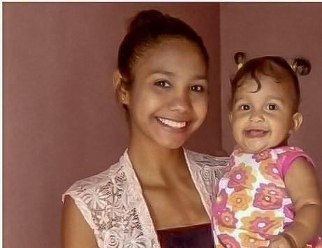 Valentina Hernandez with her daughter Sofia Rivas. -