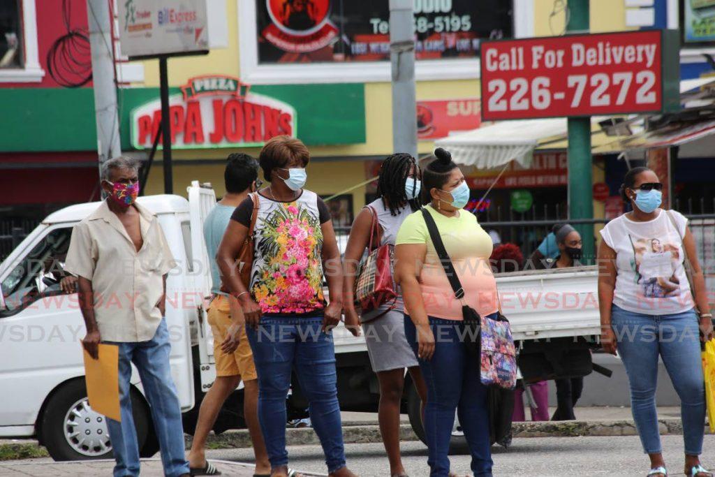 File photo: People wearing their masks in the Croisee, San Juan.