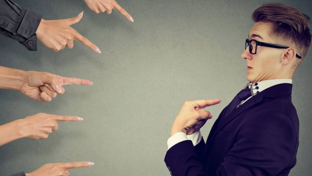 While accountability and responsibility are often used interchangeably, there are strict differences between the two concepts. Photo taken from inc.com -