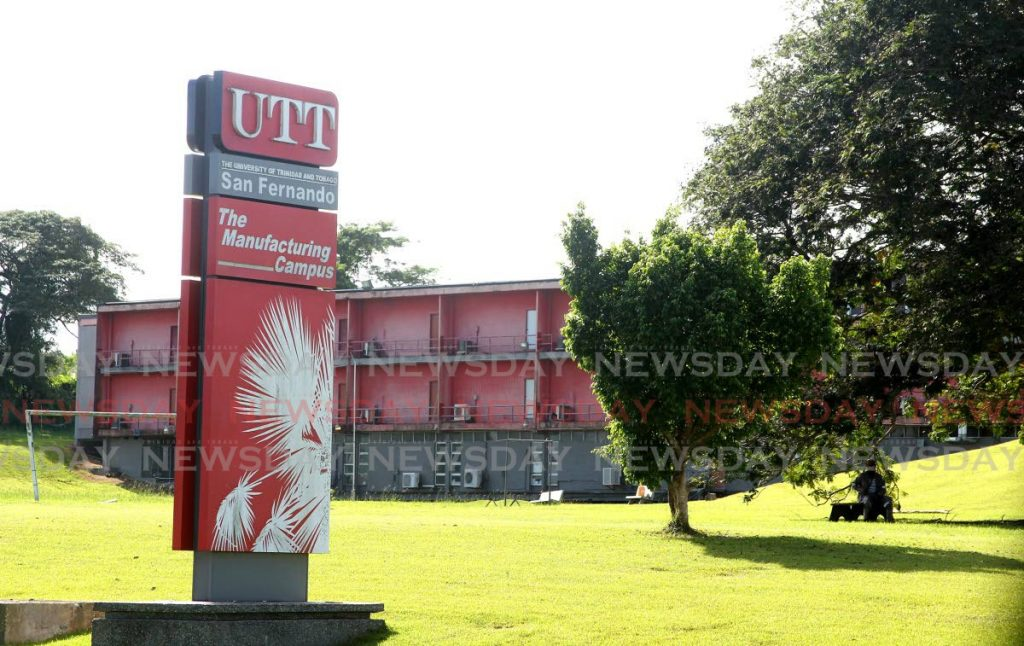 UTT San Fernando Campus  - Lincoln Holder