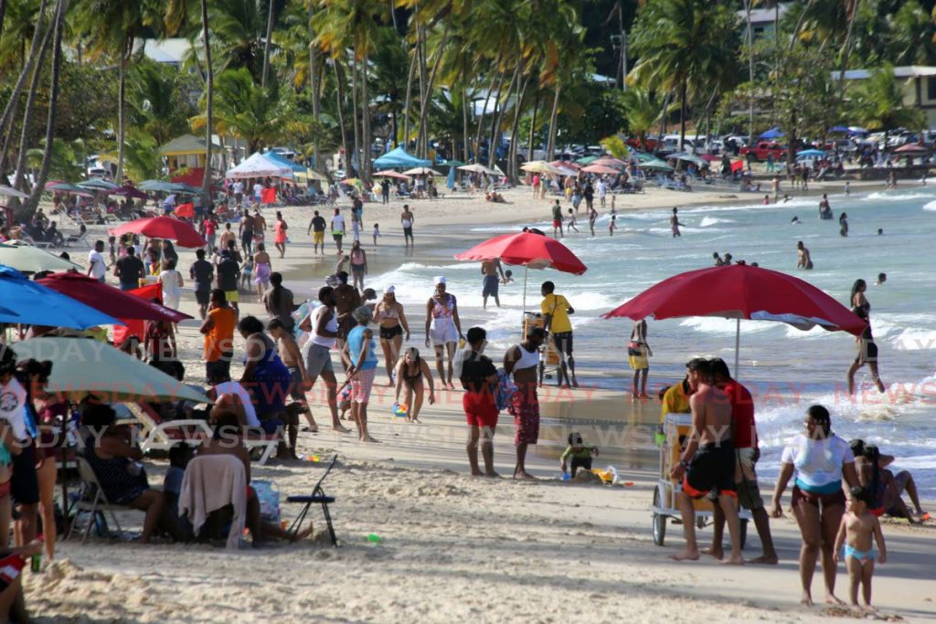 A crowd at Maracas Bay on January 17. Photo by Sureash Cholai