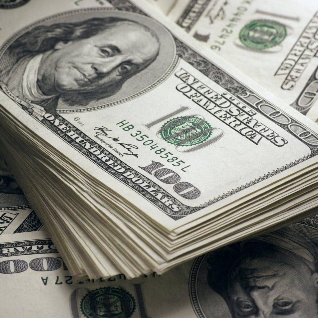 Akses ke dolar AS merupakan masalah di Tobago.  -