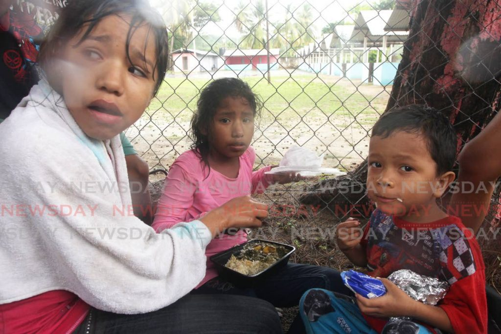 Flashback: Venezuelan children shortly after arriving at Los Iros beach hours after they were deported by the State last year. - Lincoln Holder