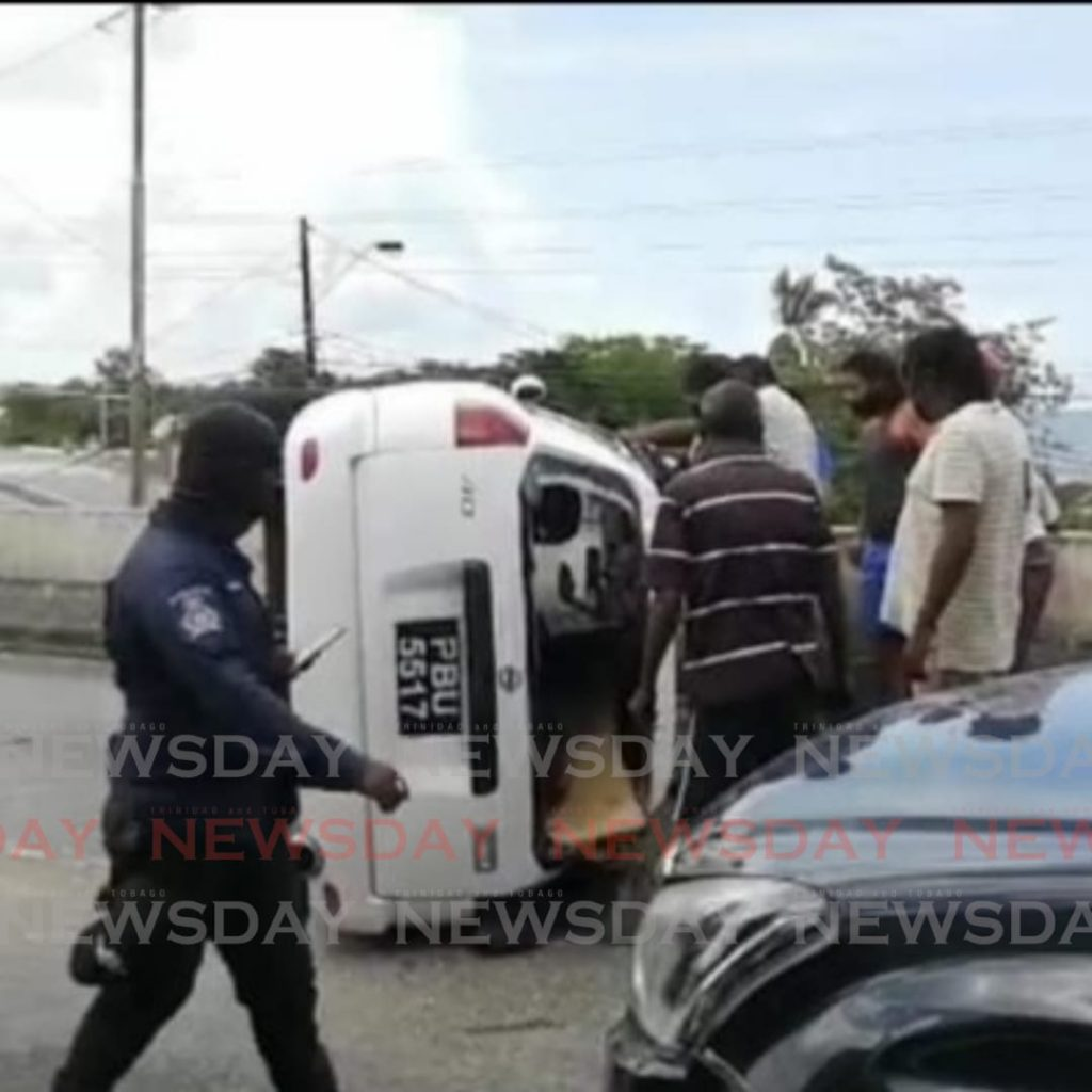 The driver of a white Nissan Wingroad wagon lost control resulting in an accident on the Western Main Road in St James.