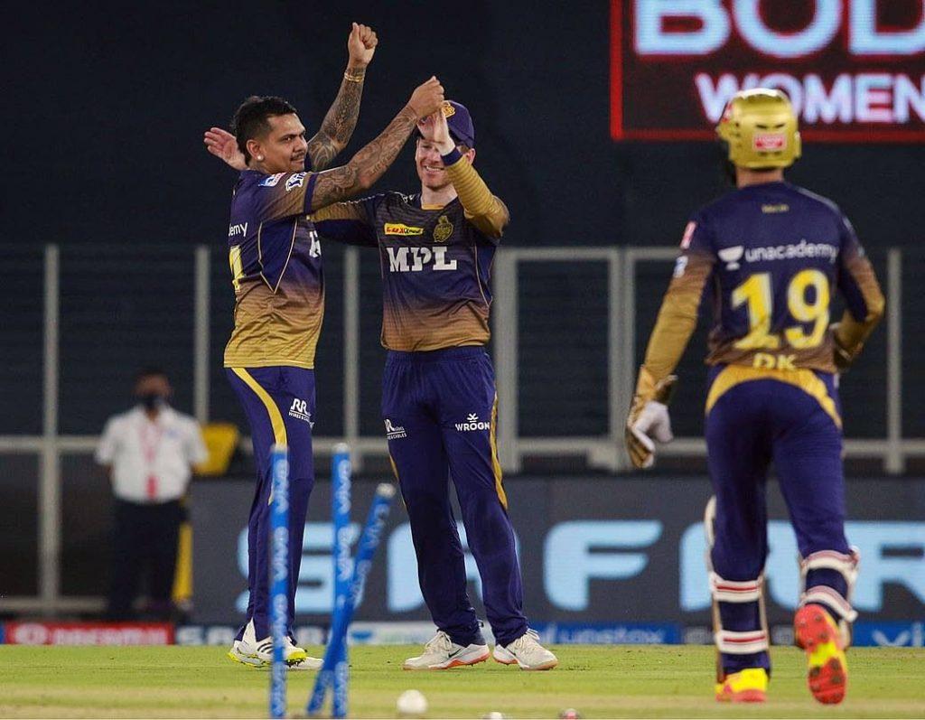 Sunil Narine (L) of Kolkata Knight Riders took 4/21. -