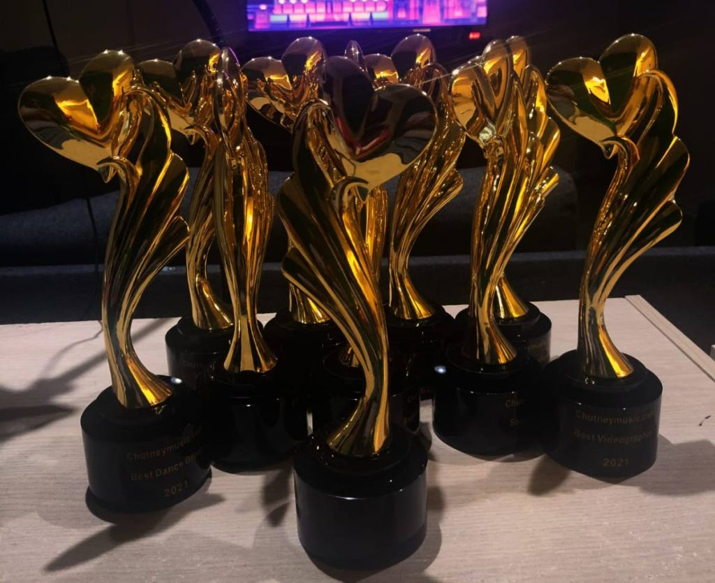 Winners of the Chutneymusic.com awards will receive the Heart of Gold statuette which is modelled after the logo of Chutneymusic.com  -