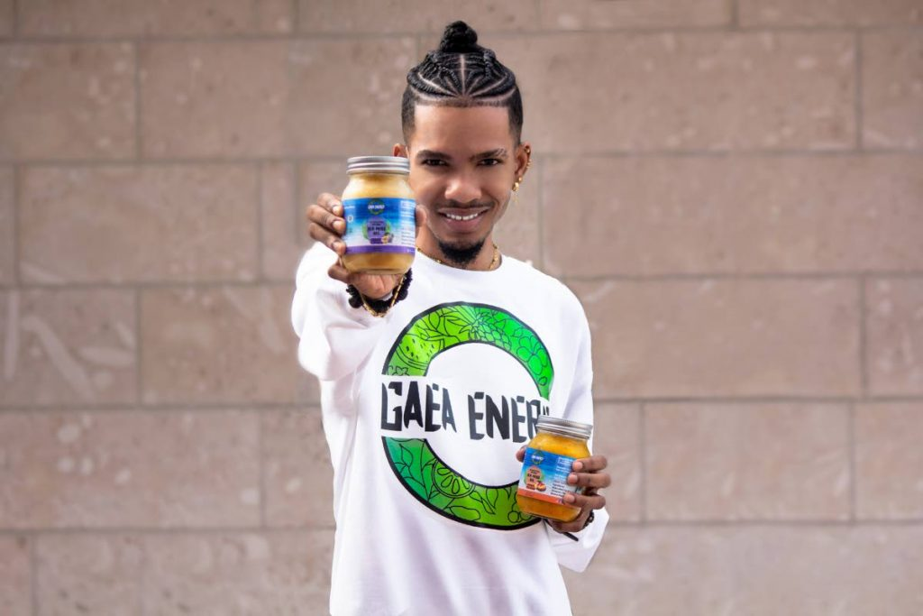 Miguel de la Rosa with his Gaea Energy sea moss gel. Photo courtesy Nikkeisha Stewart -